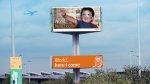 billboard na skrzyżowaniu